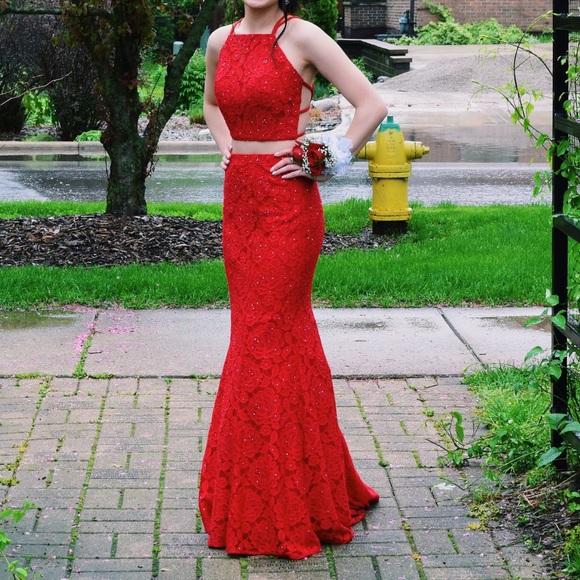 La Femme Dresses   00 Red Prom Dress 2745